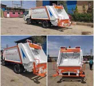 تجهیز و بازسازی ماشین حمل زباله توسط واحد نقلیه شهرداری رودهن